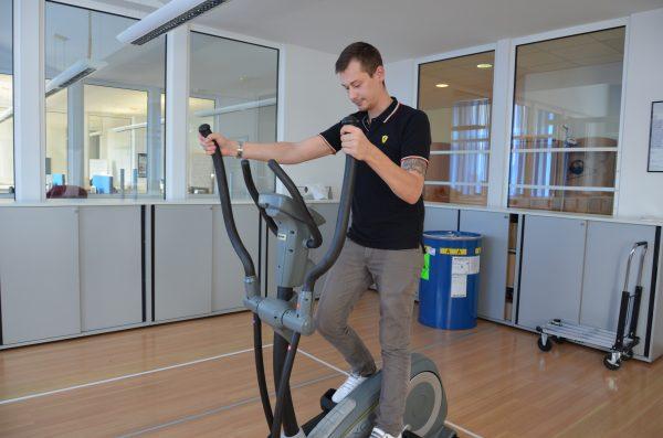 Für die sportlichen unter uns, kann der Cross Trainer in den Pausen genutzt werden
